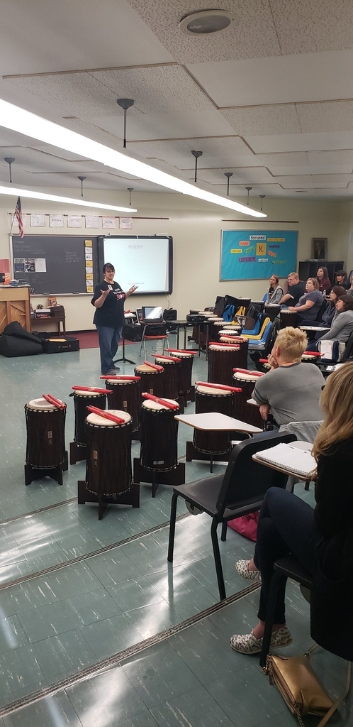 Teri Myers facilitates Dancing Drums Program Photo credit @AASDEbnerEL